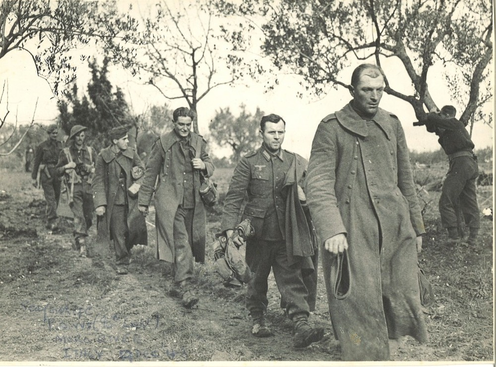 18.-Photo-German-POWs-Italy-1944-1024x757.jpg