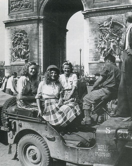 2eme_DB_Leclerc_Paris_August-25-1944.jpg