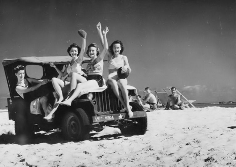 Egypt_WAAF_Down to the sea in a Jeep-19451104-Mersah_Mathru.jpg