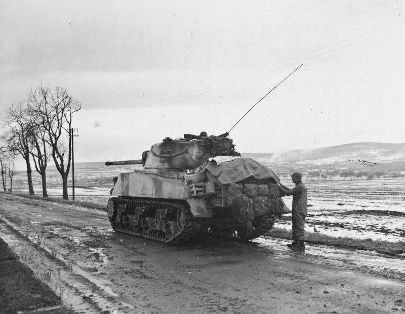 12th_armored_division_76mm_armed_m4_sherman_husseren_france_1945.e5z79obws7wwwgccwwwgk4cwk.ejcuplo1l0oo0sk8c40s8osc4.th.jpeg