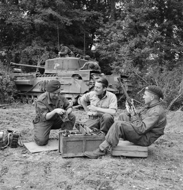 The_British_Army_in_Normandy_1944_B7624.jpg