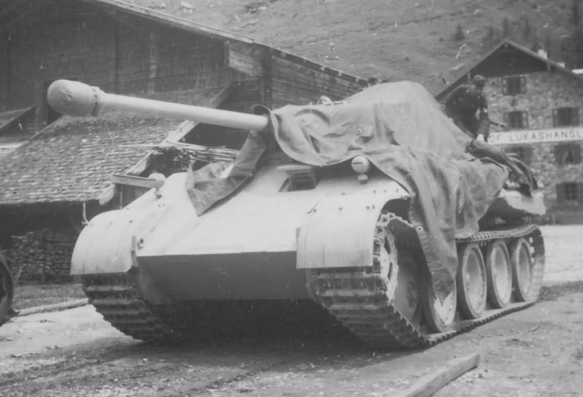 Panther_ausf_D_tank_Germany_july_1943.jpg